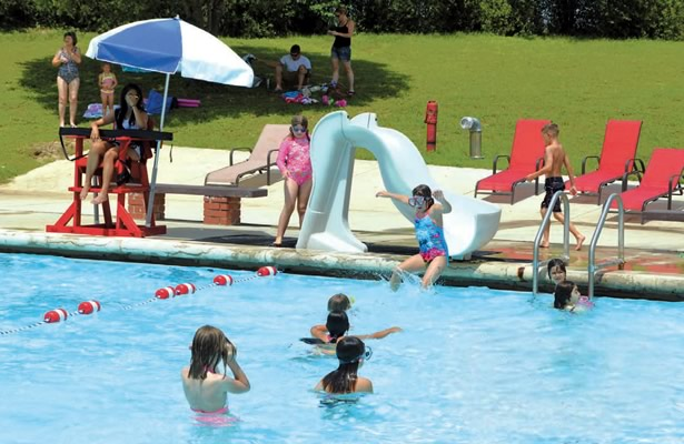 Floresville City Pool (Courtesy Wilson County News)